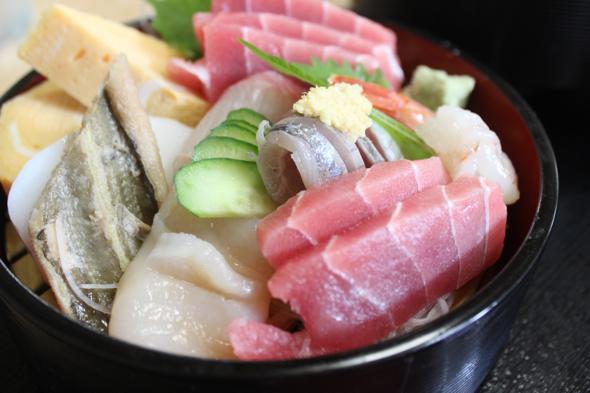 戸塚に市場があるのって知ってる?市場食堂でおいしい海鮮丼を食べよう!